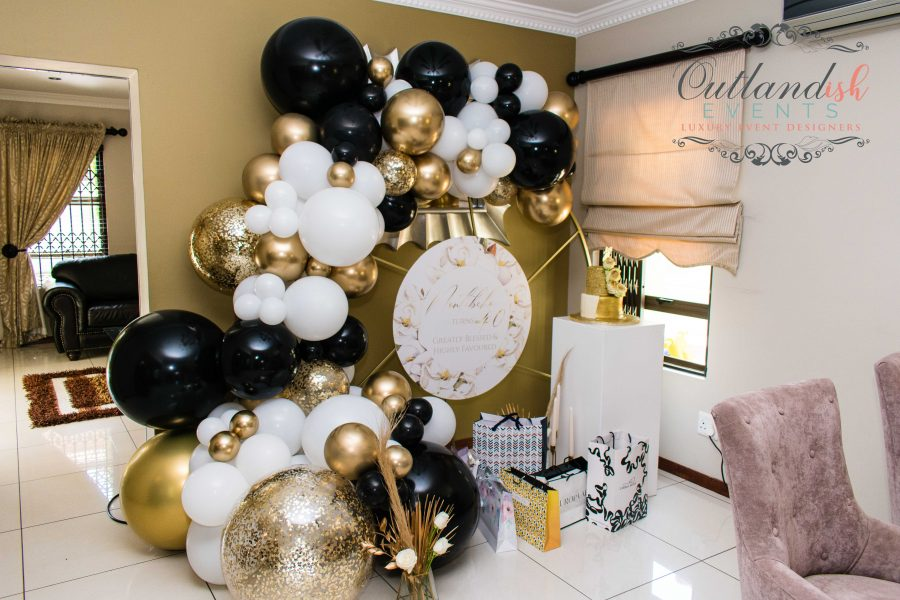 Luxe Black & Gold 40th Dinner